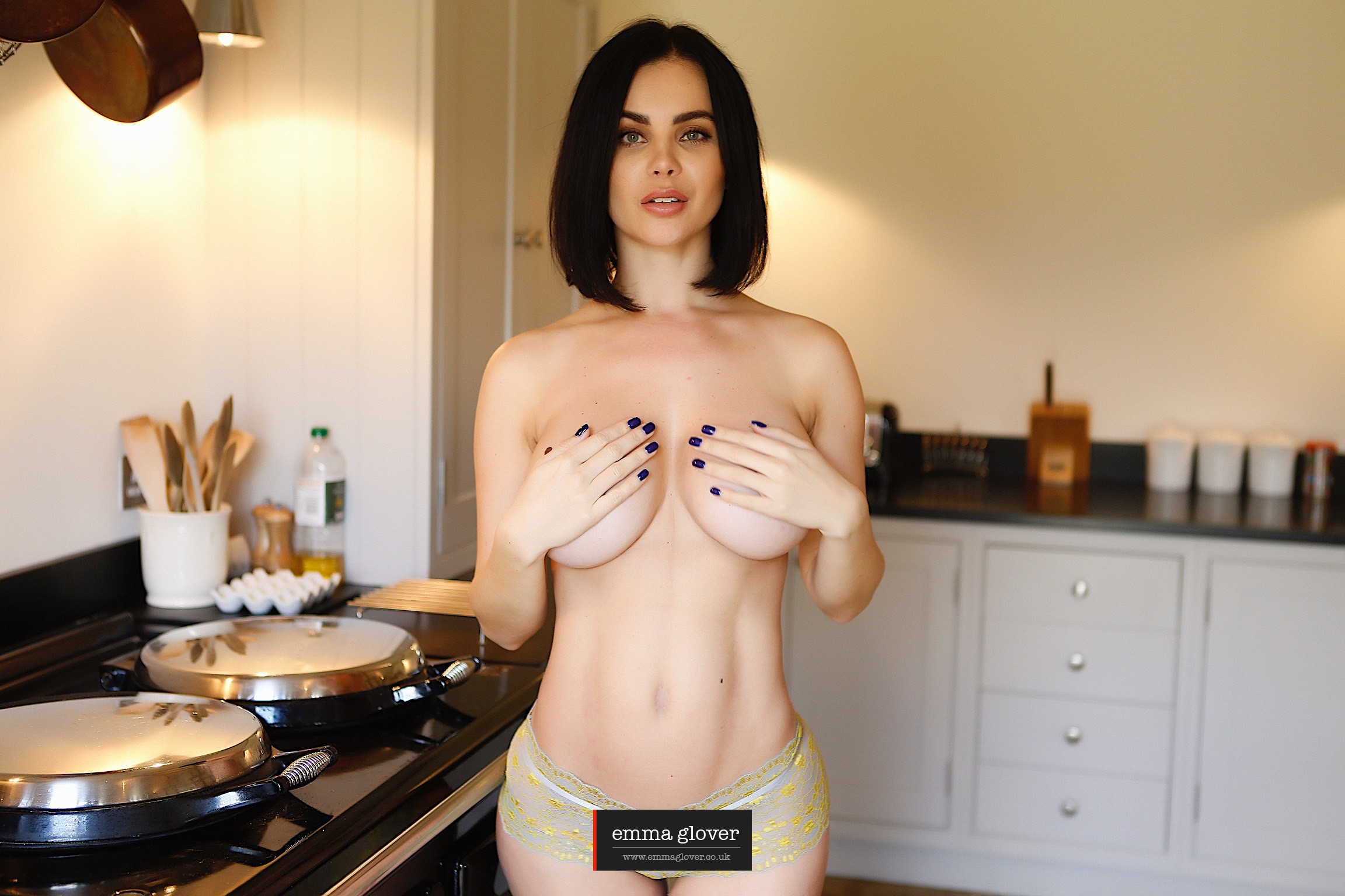 Cant Cook wont cook… WILL get naked though – 11:05 Minute HD Video